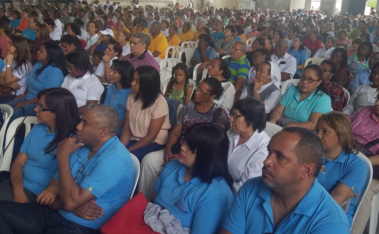 Parte de los asistentes  al encuentro del Movimiento de Cursillos de Cristiandad en San Pedro.