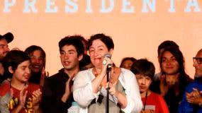 La periodista Beatriz Sánchez, candidata presidencial por el Frente Amplio, una agrupación de izquierda radical, dio la sorpresa en la elección presidencial de este domingo en Chile.