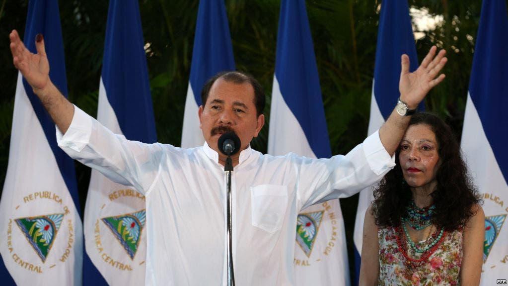 El presidente Daniel Ortega y su esposa Rosario Murillo. Los sandinistas, cuyo máximo líder es el presidente Ortega, ganaron 135 de los 153 ayuntamientos en disputa, incluida Managua.