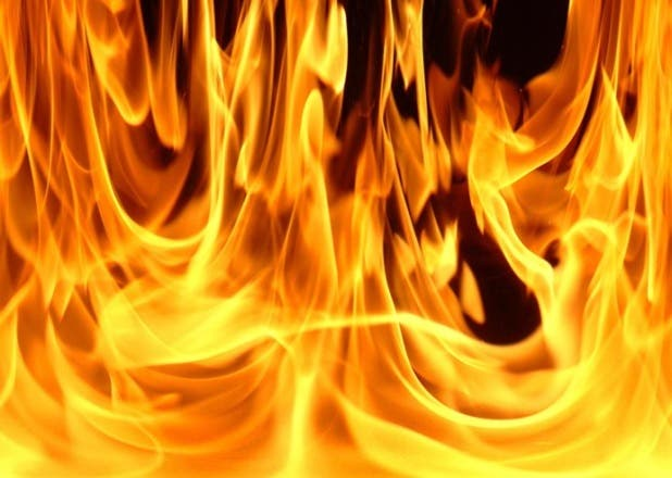 fuego-durante-20-horas-afecta-familias-dominicanas-alto-manhattan