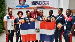 Integrantes del equipo femenino de judo que logró el bronce.