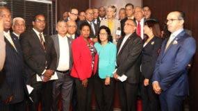 Parte de los miembros del Bloque de Diputados del PRM.