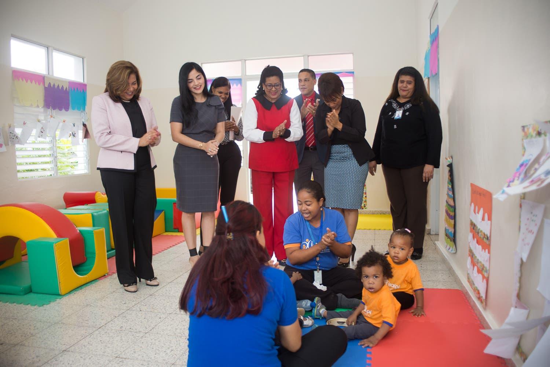 Cristina Lizardo y vicealcaldesa de SDE resaltan calidad de servicios de Inaipi