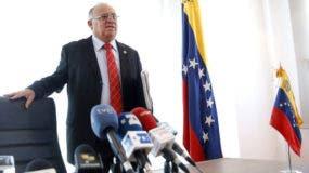 El gobierno de EEUU impuso una nueva ronda de sanciones contra altos cargos de Venezuela, lo que llevó a Isea a criticar una actitud que se produce ya desde el mandato del demócrata Barack Obama.