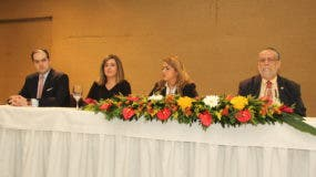 Nassim José Alemany, Lucile Houellemont,  Katia Salomón y Salador Montás.