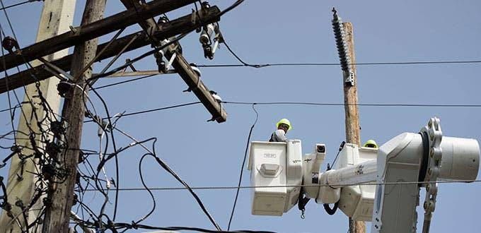Más de 20 sectores sin energía eléctrica por falla en transformador