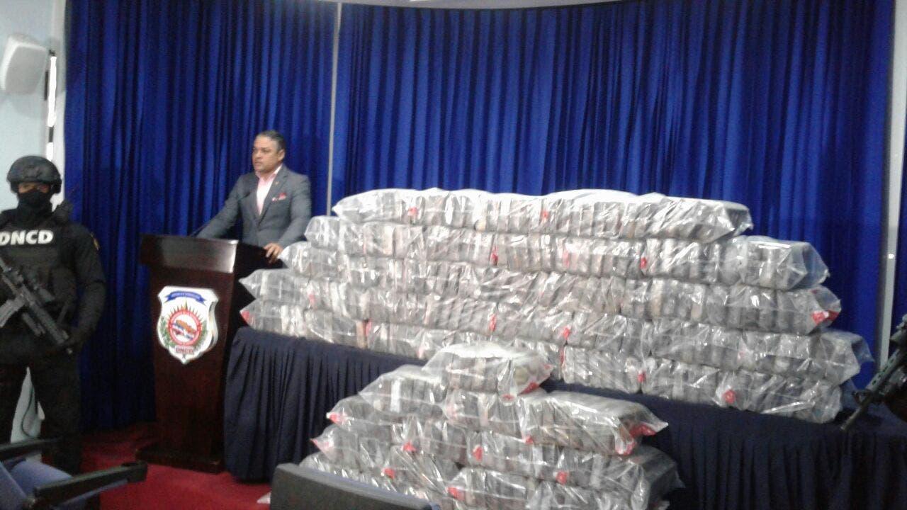 DNCD decomisa 345 paquetes de cocaína erantransportados en camión