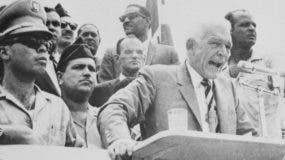 Después siete meses en la Presidencia, Bosch fue derrocado por un golpe de estado encabezado por el coronel Elías Wessin y Wessin y sustituido por una junta militar de tres hombres.