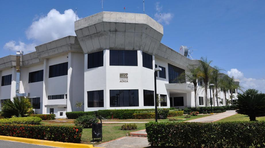 Analizan en República Dominicana prevención del peligro de aves en la aviación