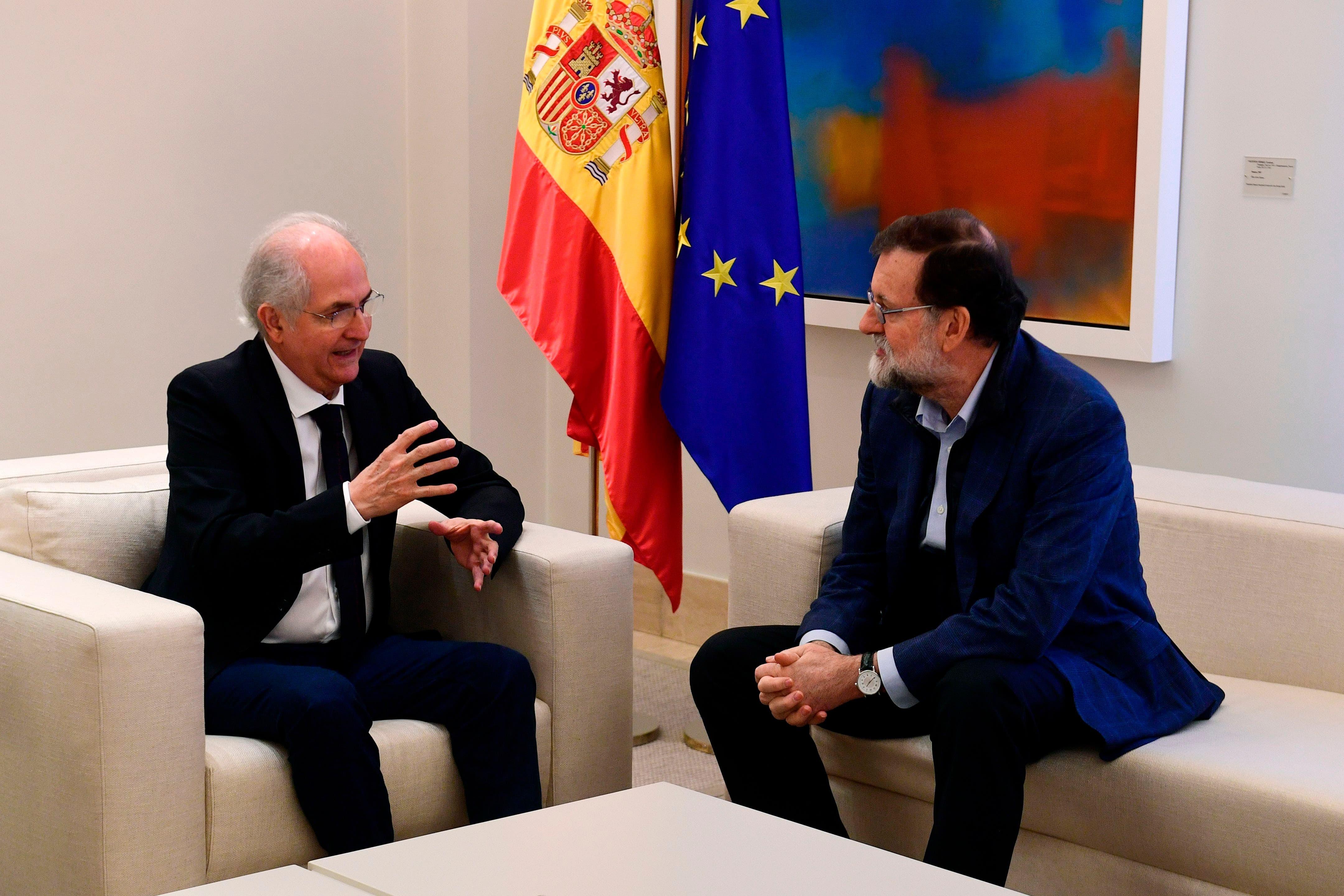 "Rajoy recibe en Madrid a Ledezma, que denuncia la ""narcodictadura venezolana»"