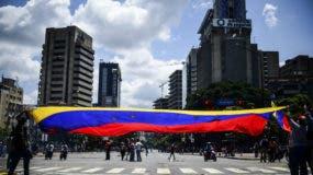La deuda venezolana con Rusia incluye 6.000 millones de dólares pagados por adelantado por la petrolera semipública Rosneft a la venezolana PDVSA.