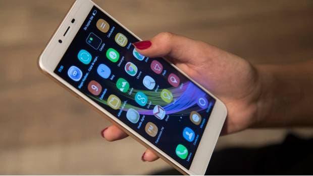 Otros países de la región, tales como Colombia, Paraguay, Chile y Ecuador han adoptado medidas similares para regular los procesos de importación de terminales móviles o celulares.