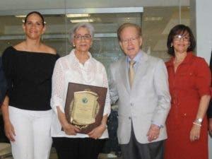 María Alicia  Molina Espaillat, Francia Espaillat, José Luis Corripio Estrada y Amelia Molina Espaillat.