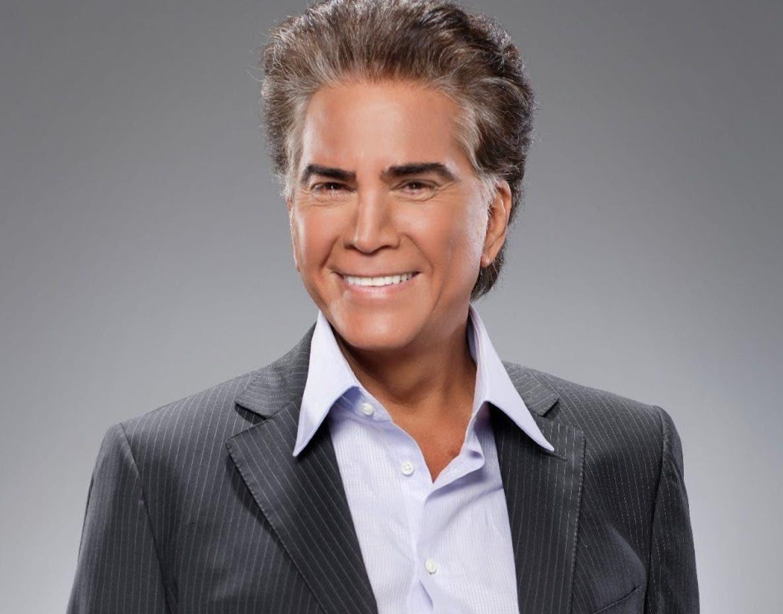 El cantante José Luis Rodríguez ha estado caminando y continúa con sus terapias respiratorias.