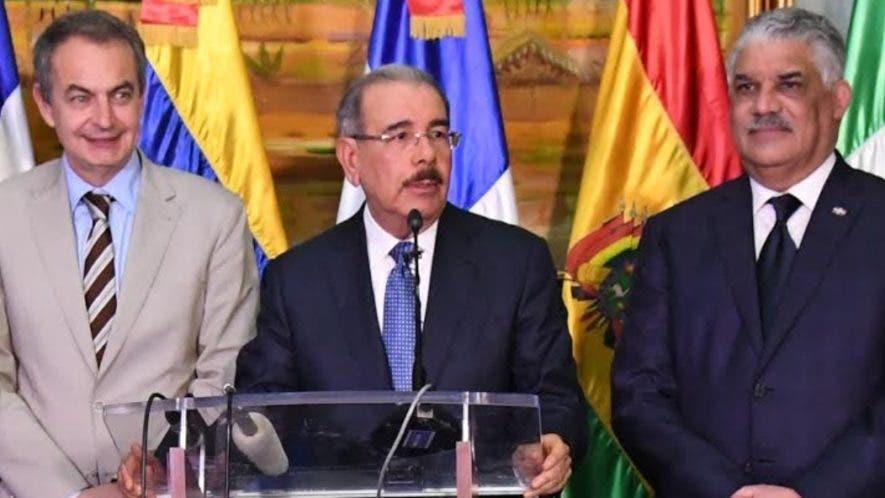José Luis Rodríguez Zapatero,  el presidente Danilo Medina y el canciller Miguel Vargas.