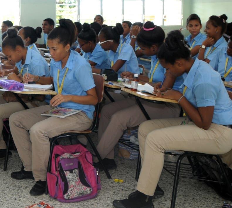 Más de un millón de estudiantes  entraron a Tanda Extendida.