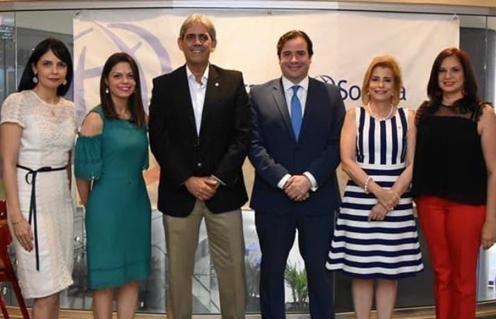 Mirla Estévez, Giselle Fernández, Paúl Martínez, Luis Franco, Patricia González y Rut García.
