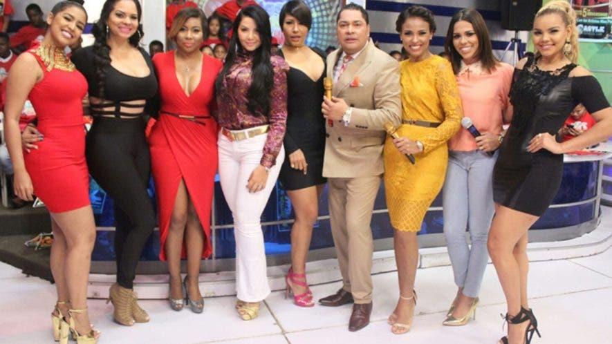 """""""El Pachá"""" informó que tiene un equipo  de 18 copresentadores en su programa sabatino."""