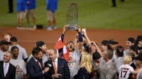 Los Astros de Houston ganaron su primer título de campeones en las Grandes Ligas al vencer a los Dodgers de los Ángeles.