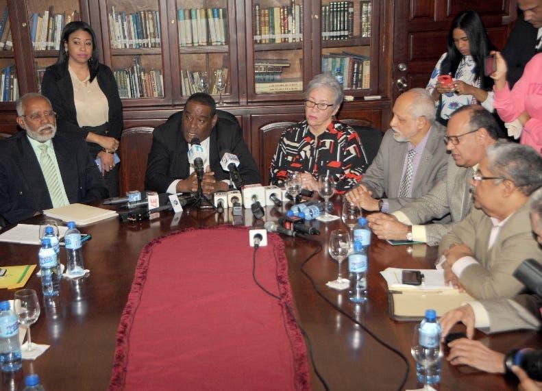Representantes del sector salud  retomaron las conversaciones.
