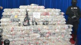 Los 140 paquetes de drogas decomisada  en el aeropuerto Las Américas,  en  noviembre pasado, y se apresaron   varias personas.