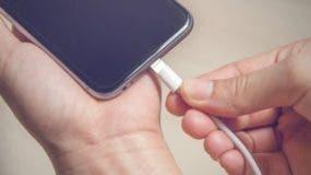 Los expertos aseguran que tu celular debería estar siempre por encima del 50% de la carga para asegurar un buen rendimiento.