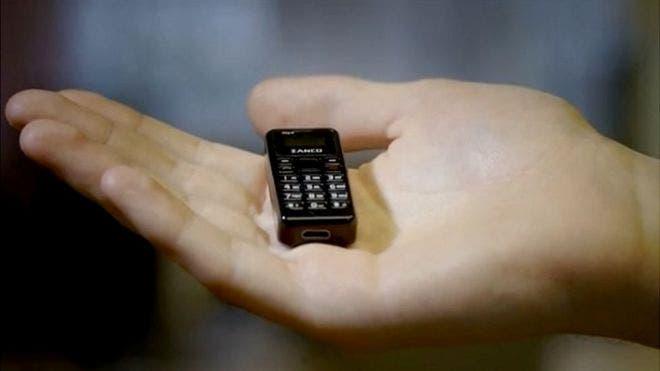 El celular mide menos de 5 cm y pesa 13 gramos, aseguran desde la compañía. (Foto: Cortesía Clubit New Media).