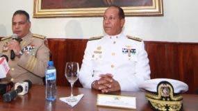 Ministro de Defensa ofreció  detalles ayer junto al director de la DNCD y el Cesac.