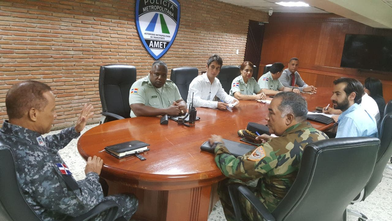 AMET despliega 200 agentes para reforzar seguridad en vías durante festividades navideñas