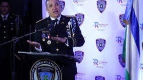 El director de la Policía Nacional, mayor general Ney Aldrin Bautista Almonte, ofrece explicaciones sobre la aplicación.