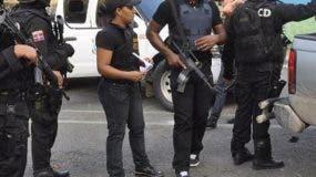 oficiales-y-agentes-de-la-dncd-con-funcionarios-judiciales-realizan-allanamientos-en-puerto-plata-en-busca-de-bienes-y-complices-de-narcotraficantes
