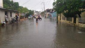 otra-vez-torrenciales-lluvias-vuelven-a-producir-inundaciones-urbanas-de-viviendas-y-vias-de-comunicacion-en-puerto-plata-3
