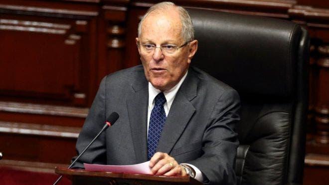 Pedro Pablo Kuczynski en el pleno del Congreso celebrado este jueves para votar la moción de destitución presentada por la oposición. BBC.