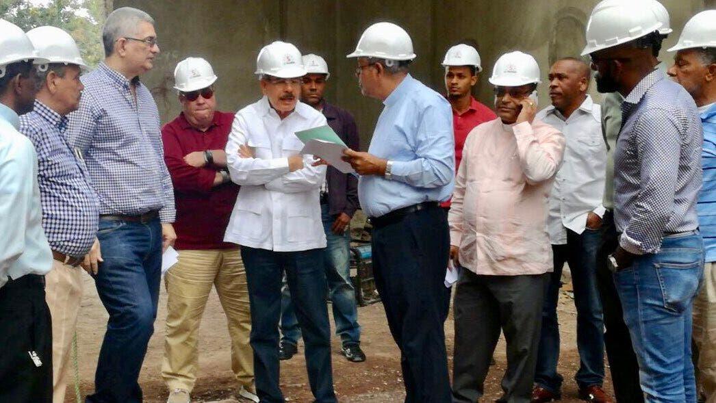 Danilo Medina supervisa construcción del nuevo santuario Santo Cristo de los Milagros de Bayaguana