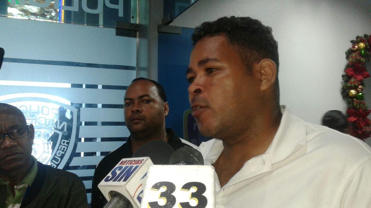 Padre de joven estrangulada por pareja en Naco pide colaboración de población para dar con paradero de homicida