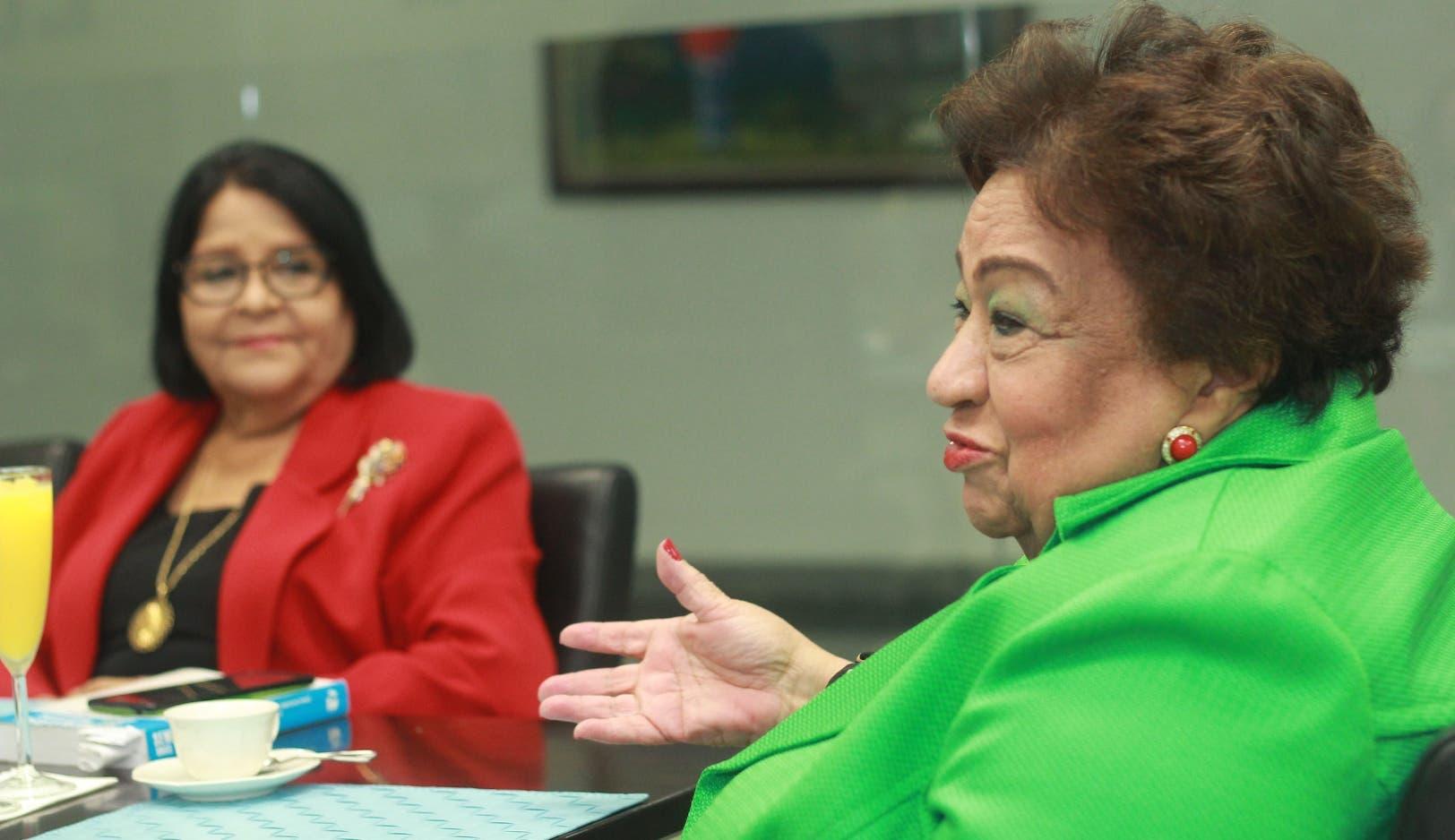 Martha Olga García y Flavia García abogan por un cambios en la relación entre hombre y mujer para que prime el presto.