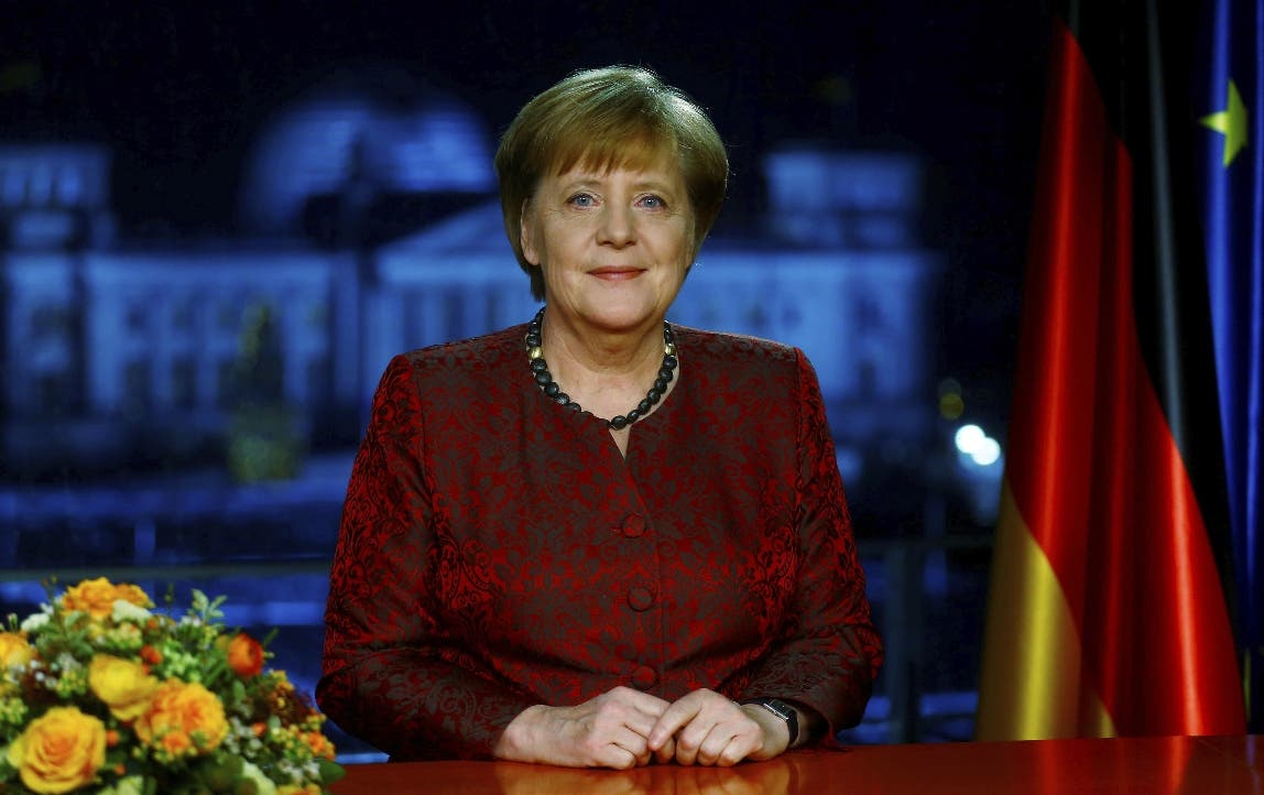 Merkel considera «problemático» expulsar de Twitter a Trump