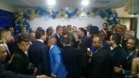 Leonel Fernández recibe felicitaciones por su cumpleaños. Foto: Hillman Pimentel.