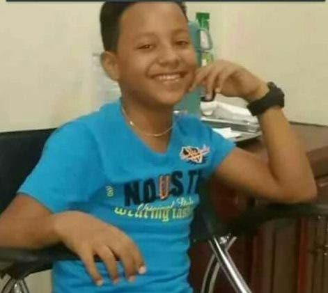 Desde los tres años de edad, Andy, que ahora tiene 13, empezó atener problemas con la válvula mitral. Le han hecho cuatro operaciones, pero ahora la única forma de salvarle la vida es mediante un trasplante de corazón por lo que su padre está solicitando ayuda económica.