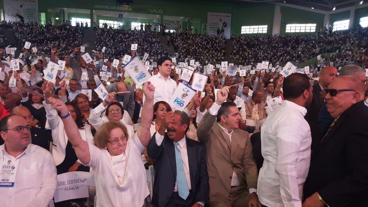 Durante la convención fue ratificado Miguel Vargas y la alta dirigencia del PRD. Foto: Degnis De León.
