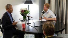 Exclusiva real: la primera entrevista de Barack Obama luego de dejar la presidencia de EE.UU. fue para el quinto en la línea de sucesión al trono británico.