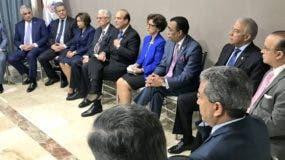 Leonel Fernández, Miguel Vargas,  Andrés Bautista y Federico Antún estuvieron en el encuentro con los miembros de la JCE.  FUENTE EXTERNA