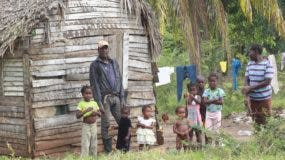El drama humano que vive  esta  familia  es lo más evidente cuando se recorren estas comunidades empobrecidas.