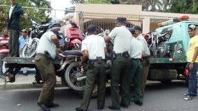 Agentes de la Digesset durante una redada contra motoristas.