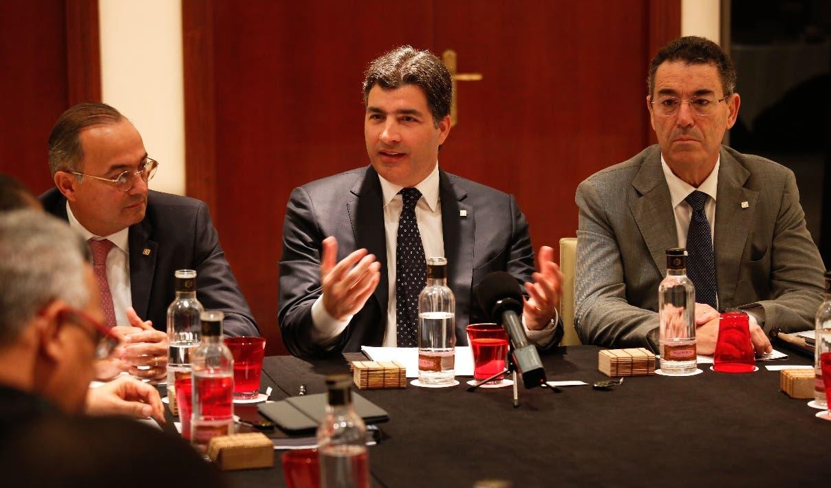 Juan Lehoux, Christopher Paniagua,   y Juan Manuel Martín de Oliva, ejecutivos del Banco Popular.