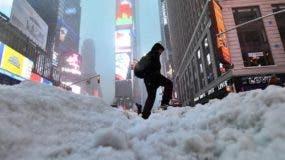 Partes de los estados de Maine, Nueva York y Boston, en la costa este, han tenido o pueden esperar fuertes ráfagas de viento de 80 a 128 km/h y hasta 7,6 cm de nieve por hora.