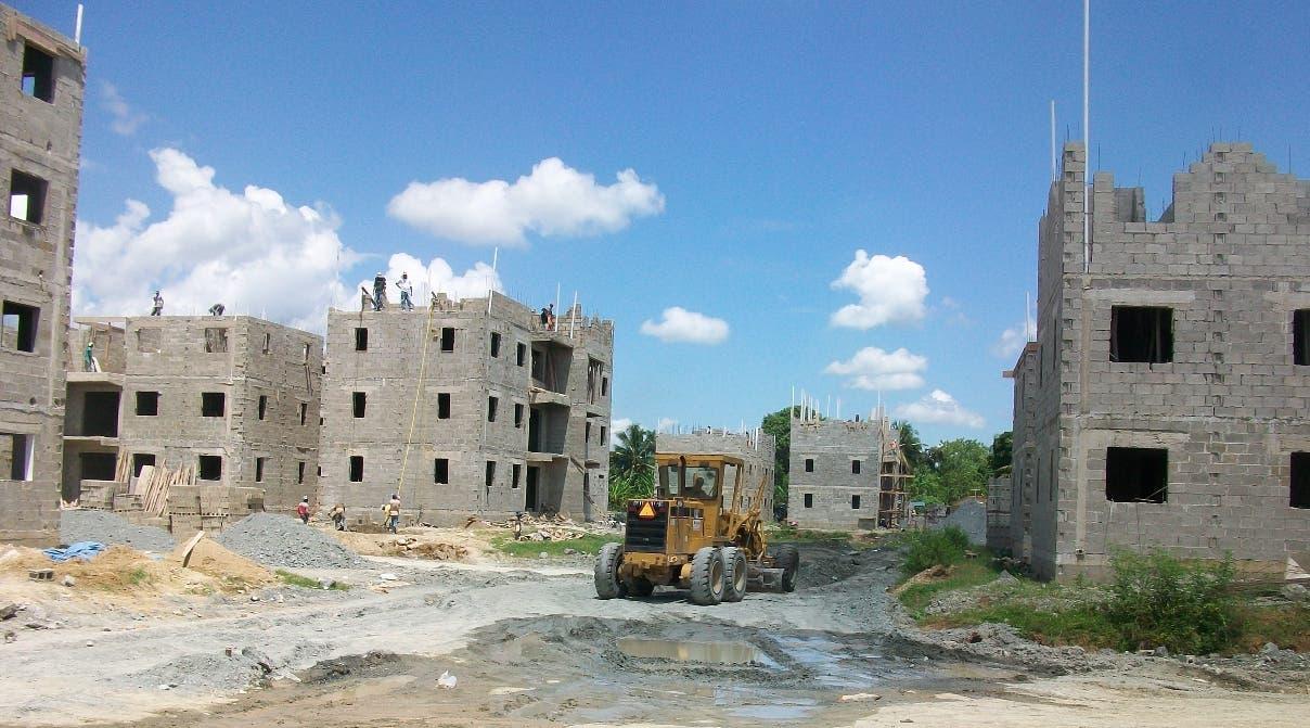 Pro Consumidor informó que han ordenado a constructores  cumplir con sus ofertas de viviendas. ARCHIVO