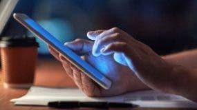 El sistema a desarrollar incluye una aplicación móvil para identificar la legalidad de  productos.