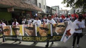 Los panameños protestan en las calles y denuncian que son  víctimas de la corrupción en distintos  niveles.