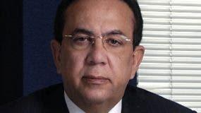 Héctor Valdez Albizu, gobernador  Banco Central.